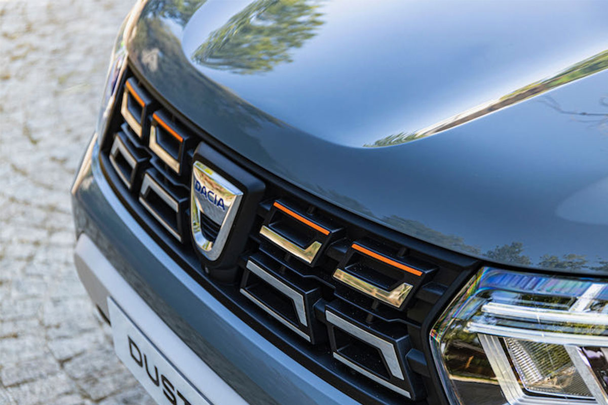 Photos Nouveau design pour le véhicule Dacia Duster