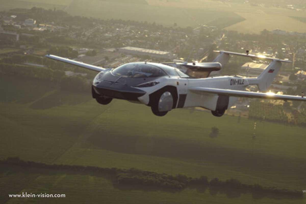 Photos Premier vol réalisé avec succès pour la voiture volante AirCAr de Stefan Klein