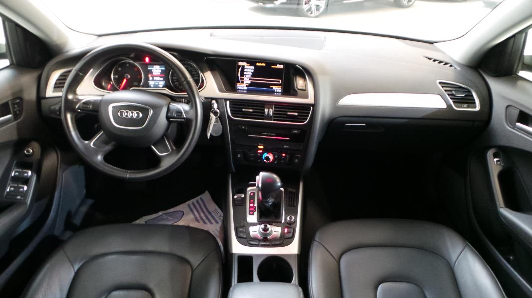2009 audi a4 b8 s tronic quattro review for Lederen interieur audi a4