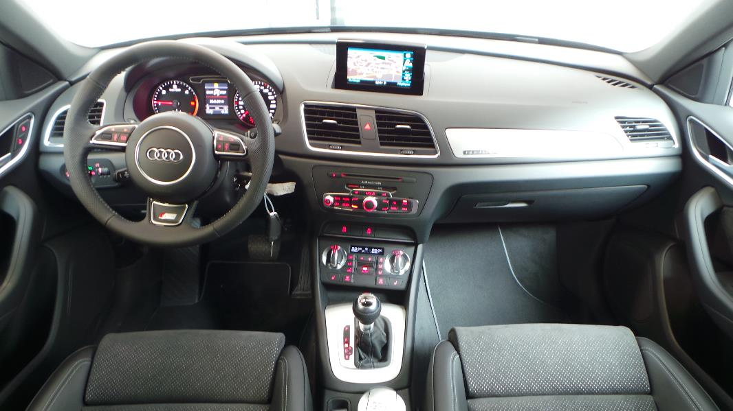 Audi allroad 150 2017 2018 best cars reviews for Audi q3 photos interieur