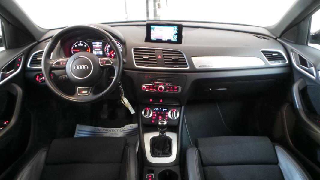 Audi q3 2 0 tdi 140ch s line quattro occasion lyon for Audi q3 photos interieur