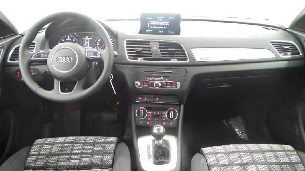 Audi q3 2 0 tdi 150 quattro s tronic occasion mont limar for Interieur q3 s line