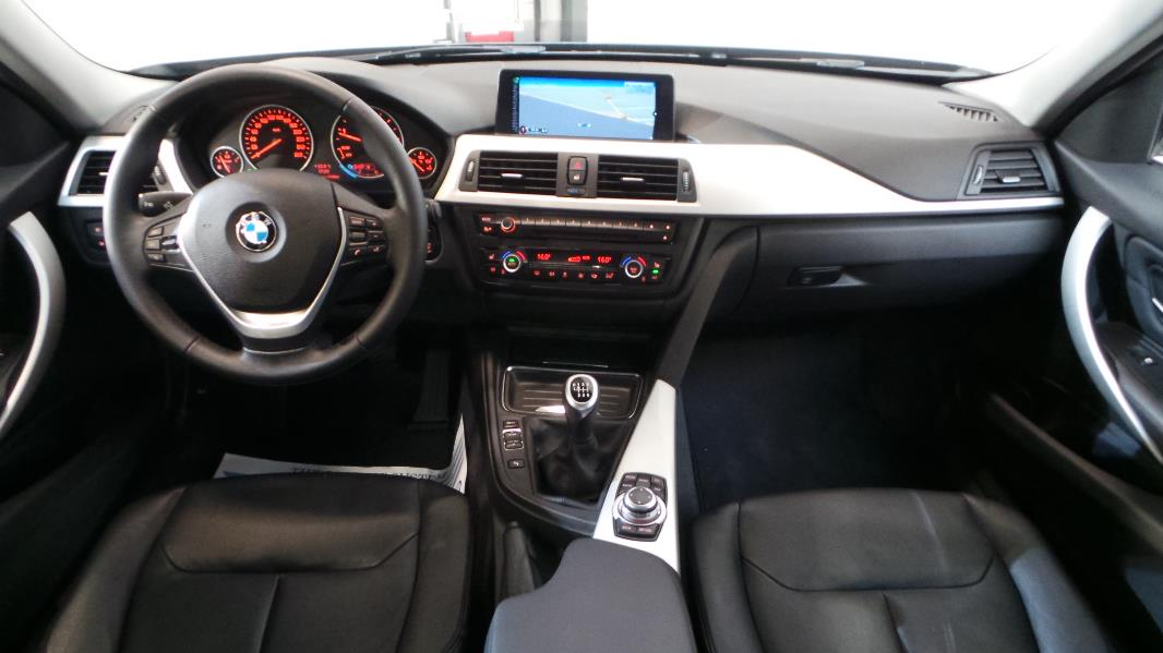 Bmw serie 3 f30 318d 143ch executive occasion lyon for Bmw serie 7 interieur