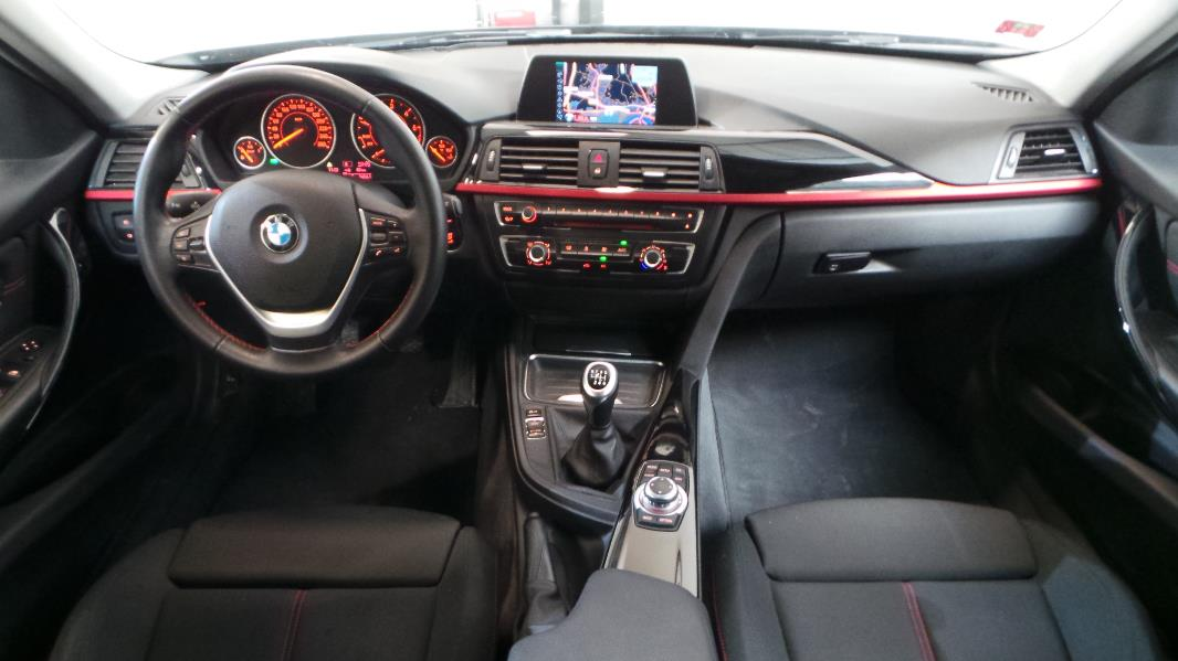Bmw serie 3 touring f31 320d 184ch sport occasion lyon for Bmw serie 9 interieur