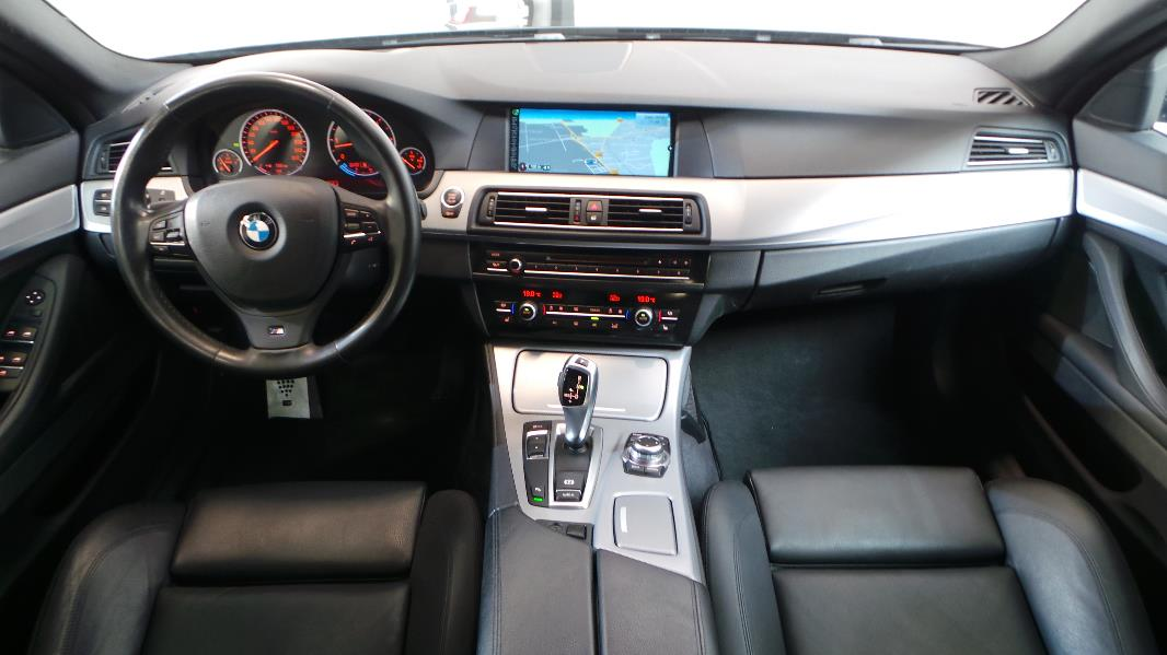 Bmw serie 5 f10 530da sport design occasion lyon for Bmw serie 7 interieur