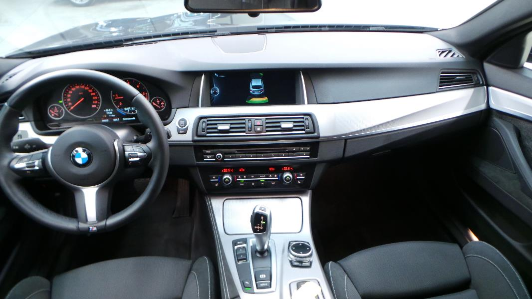 Pictures Of  M Touring Option Interior
