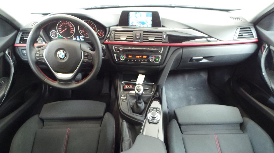 Bmw serie 3 touring f31 320d xdrive 184ch sport occasion for Bmw serie 6 interieur