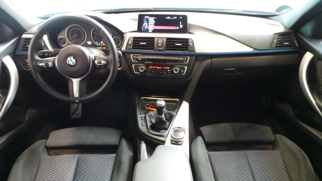 Bmw serie 3 f30 318d xdrive 143ch m sport occasion for Serie 1 interieur