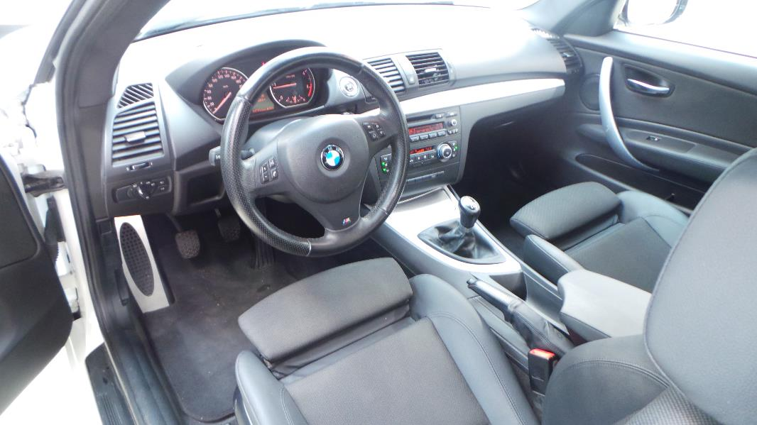 Bmw serie 1 coupe e82 120d sport design occasion lyon for Serie 1 interieur