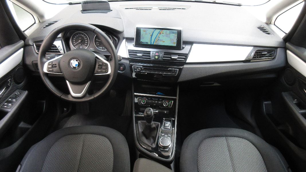 Bmw serie 2 gran tourer f46 218i 136ch lounge occasion for Bmw serie 7 interieur