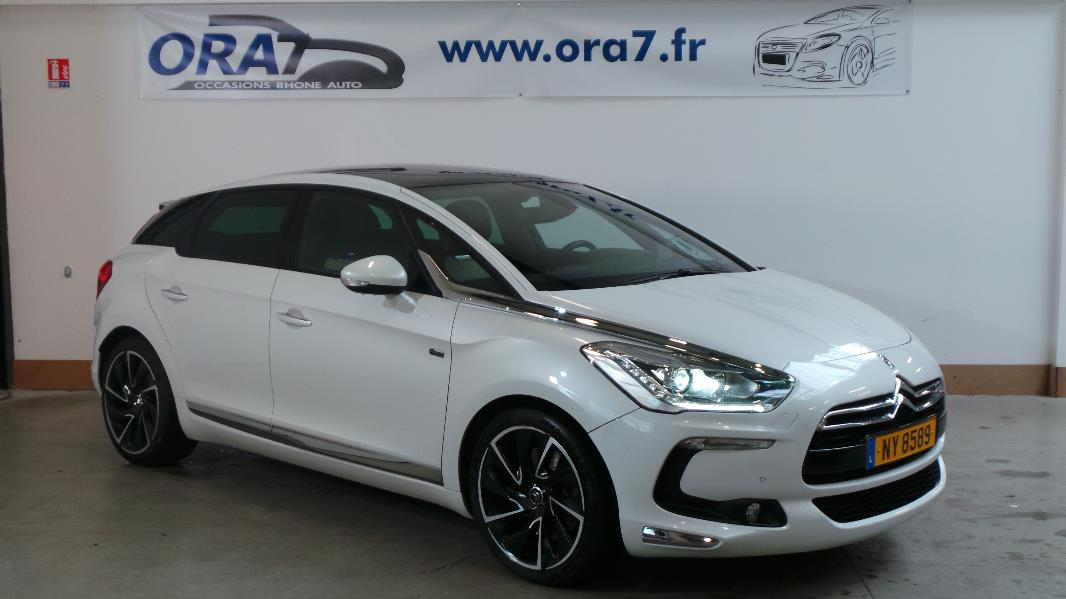 citroen ds5 hybrid4 sport chic etg6 occasion lyon neuville sur sa ne rh ne ora7. Black Bedroom Furniture Sets. Home Design Ideas