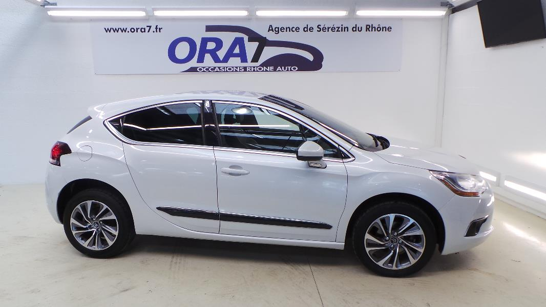 Citroen ds4 1 6 e hdi airdream so chic bmp6 occasion for Garage blanc lyon 4