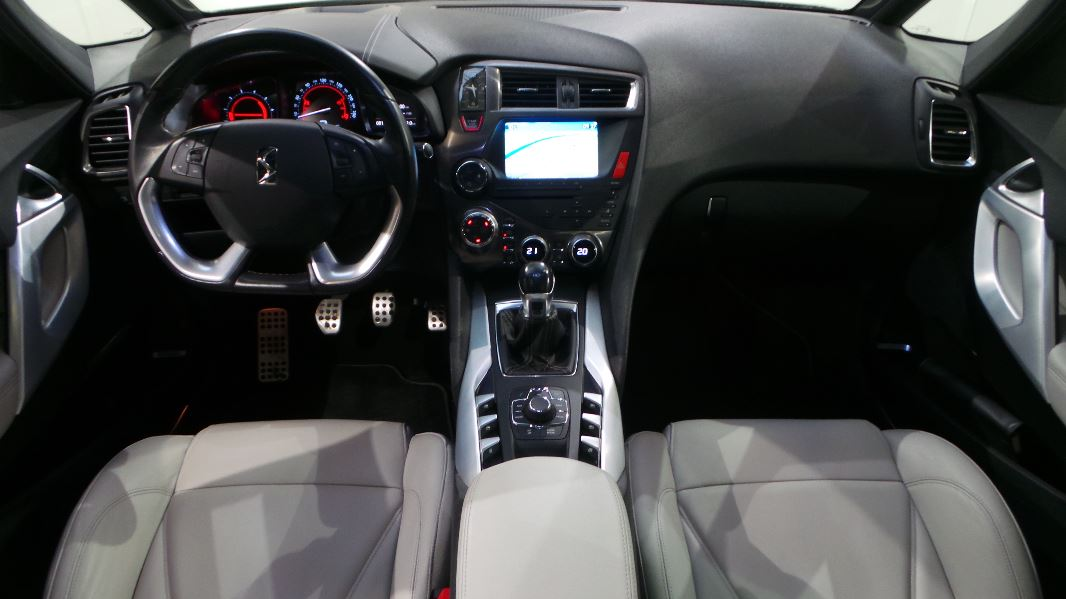 interieur ds5 photo ds5 hybride interieur 2012 citroen ds5 interior 3 car reviews pictures. Black Bedroom Furniture Sets. Home Design Ideas