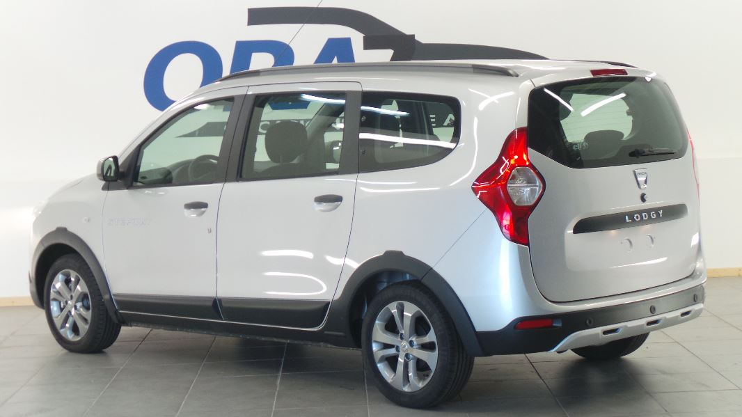 dacia lodgy 1 5 dci 110ch stepway euro6 7 places occasion. Black Bedroom Furniture Sets. Home Design Ideas