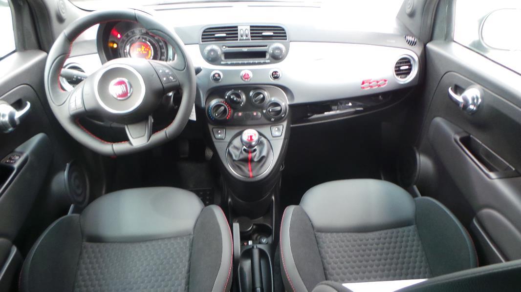 Fiat 500 1 2 8v 69ch s occasion lyon s r zin rh ne ora7 for Interieur 500 abarth