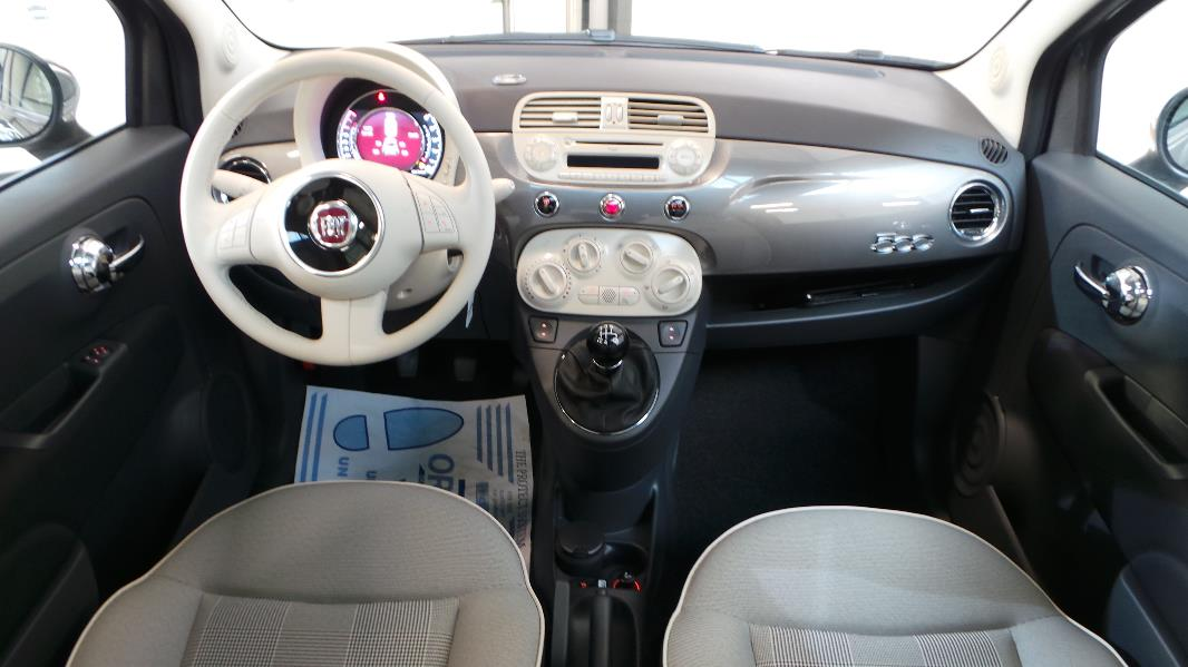 Fiat 500 1 2 8v lounge stop start occasion lyon neuville for Fiat 500 interieur