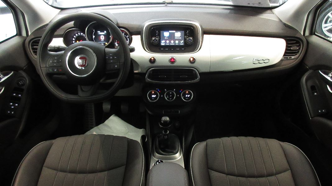 Fiat 500x 1 6 multijet 120ch lounge occasion lyon for Fiat 500 interieur