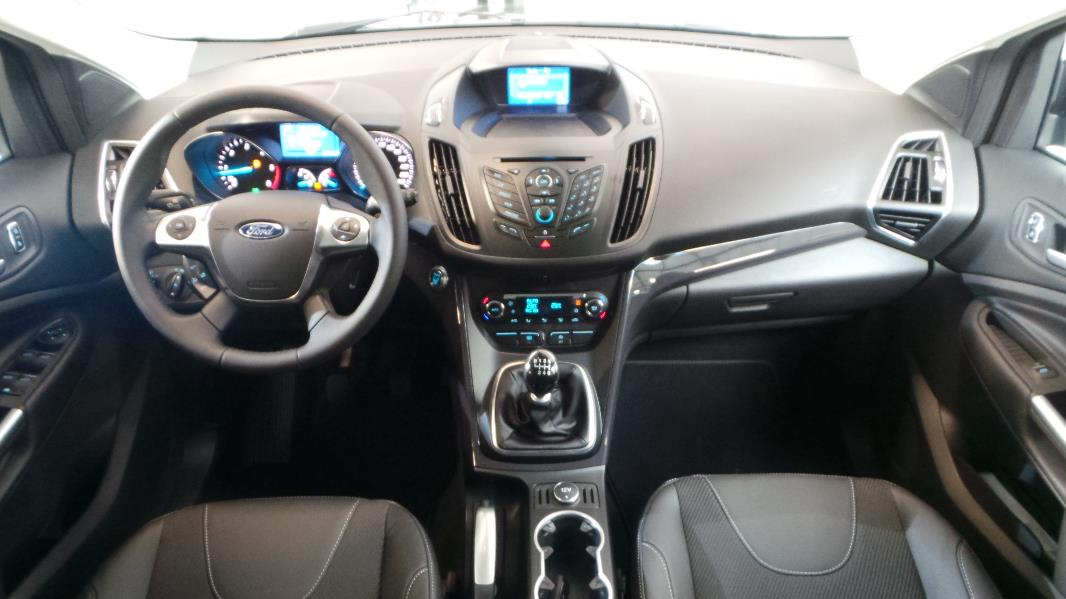 interieur ford kuga titanium 28 images essai ford kuga 2 0 tdci 163 ch 4x4 titanium coup. Black Bedroom Furniture Sets. Home Design Ideas
