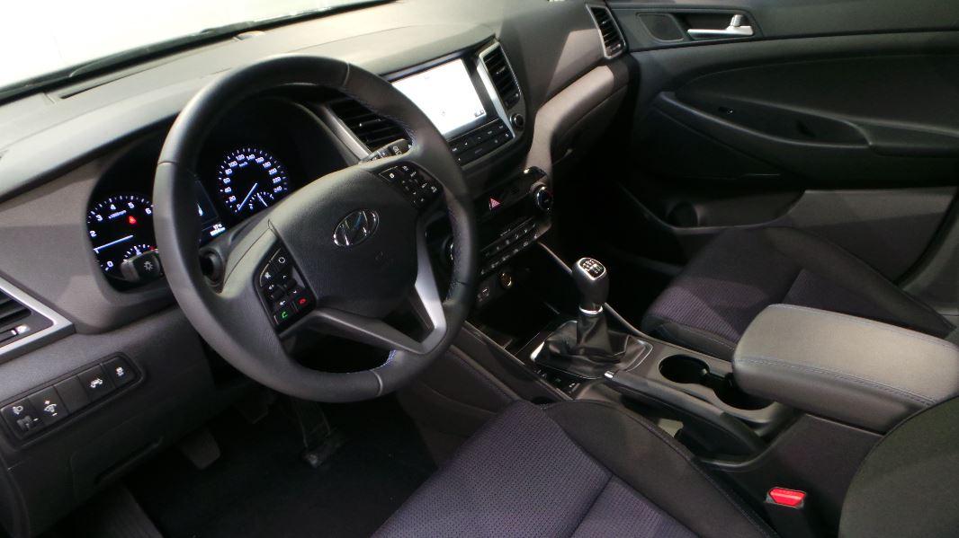 Hyundai tucson 2015 interieur of interieur hyundai tucson for Interieur hyundai tucson