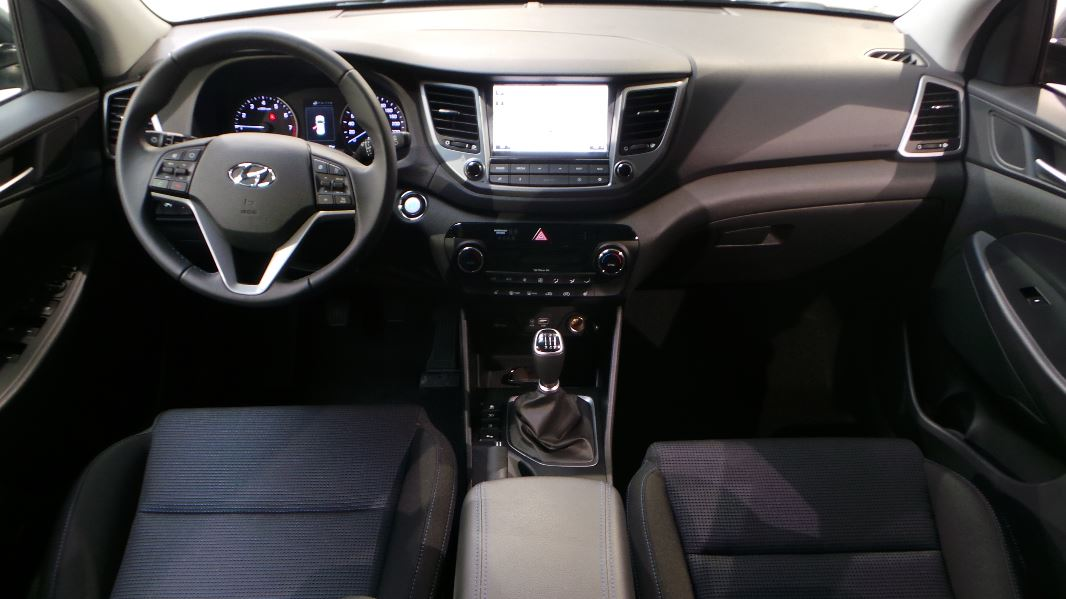 Hyundai tucson 1 6 gdi 132 creative 2wd occasion lyon for Interieur hyundai tucson