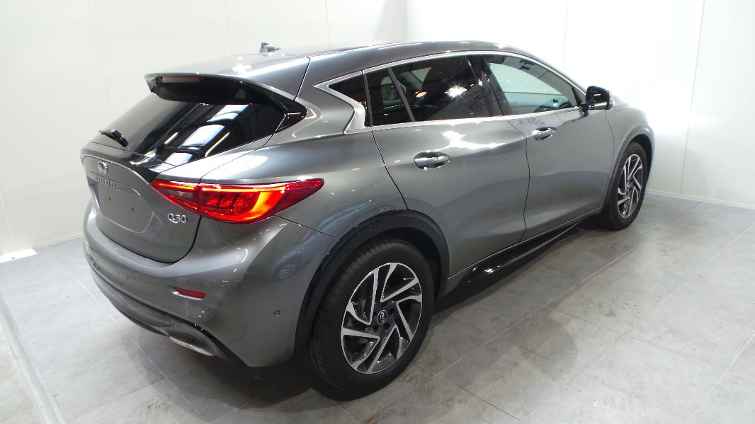 infiniti q30 122ch city black edition occasion lyon