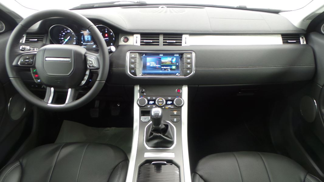 Land rover evoque 2 0 ed4 150 se dynamic 4x2 mark iii e for Interieur evoque