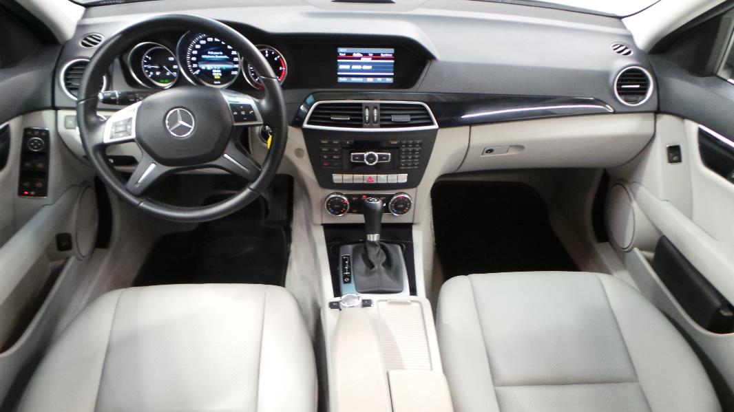 Mercedes classe c break s204 220 cdi business executive for Mercedes classe m interieur