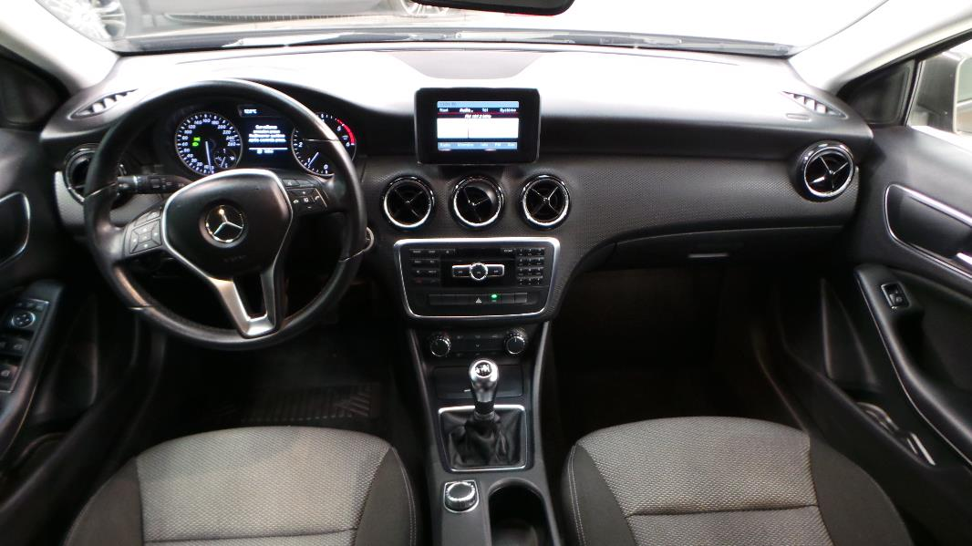 Mercedes classe a interieur 28 images interieur for Interieur mercedes classe a