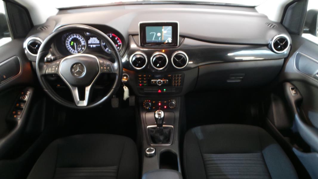 Mercedes classe b w246 180 cdi classic occasion lyon for Mercedes classe e interieur