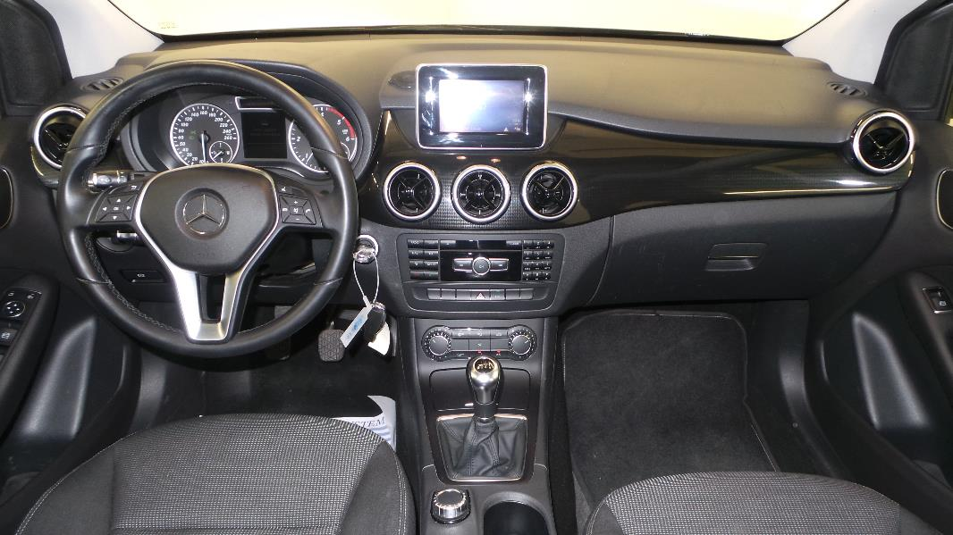 Mercedes classe b w246 180 cdi business occasion for Interieur mercedes classe b