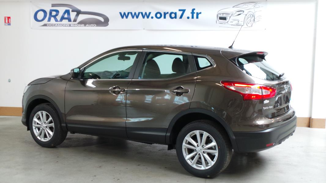 nissan qashqai 1 5 dci 110 fap acenta navi occasion lyon. Black Bedroom Furniture Sets. Home Design Ideas