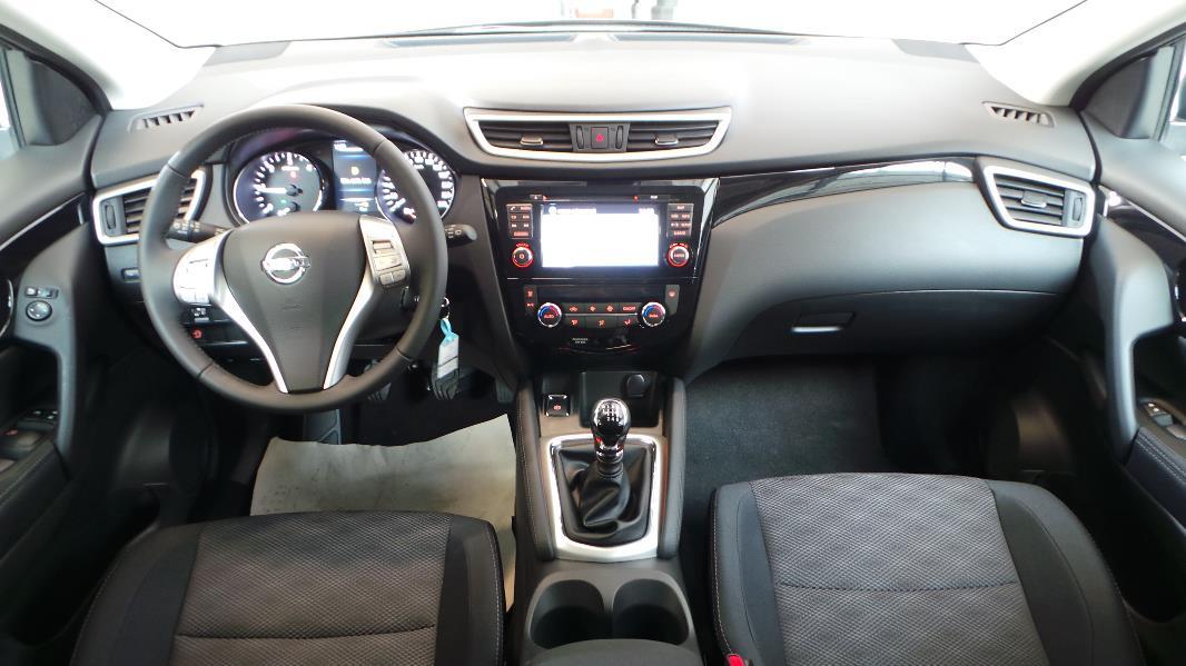 Nissan qashqai 1 5 dci 110 fap acenta navi occasion lyon for Interieur qashqai 2015
