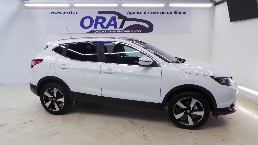 nissan qashqai 1 6 dci 130ch connect edition occasion lyon s r zin rh ne ora7. Black Bedroom Furniture Sets. Home Design Ideas