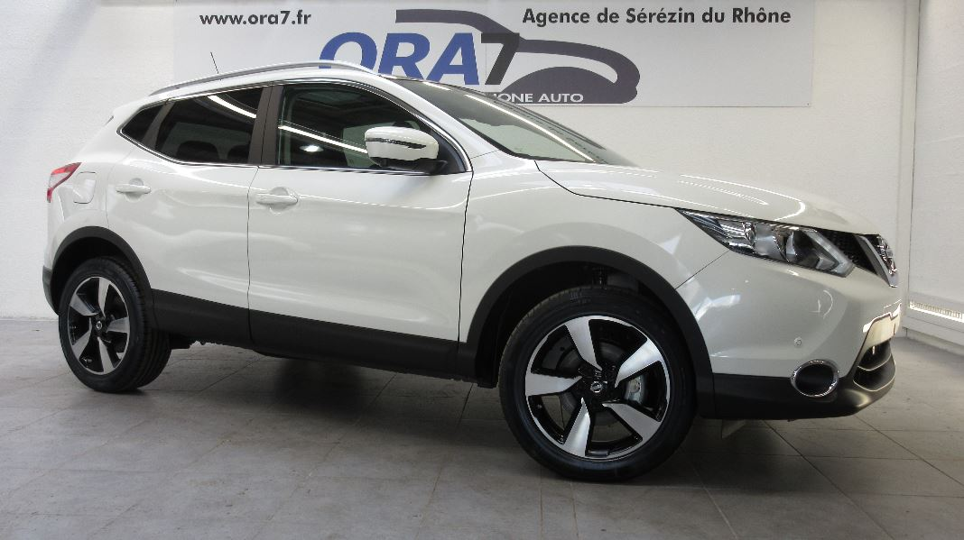 nissan qashqai 1 6 dci 130ch e6 connect edition occasion lyon s r zin rh ne ora7. Black Bedroom Furniture Sets. Home Design Ideas