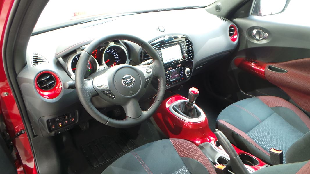 Nissan juke 1 2 dig t 115ch n connecta occasion lyon for Interieur nissan juke