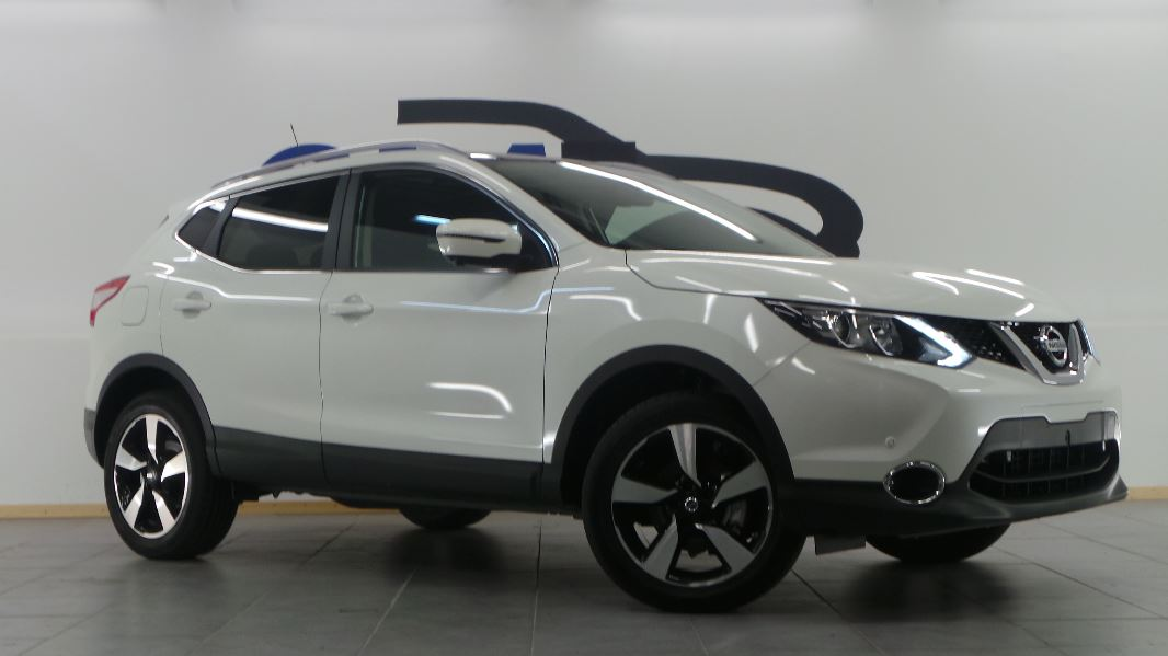 nissan qashqai 1 6 dci 130ch connect edition euro6. Black Bedroom Furniture Sets. Home Design Ideas