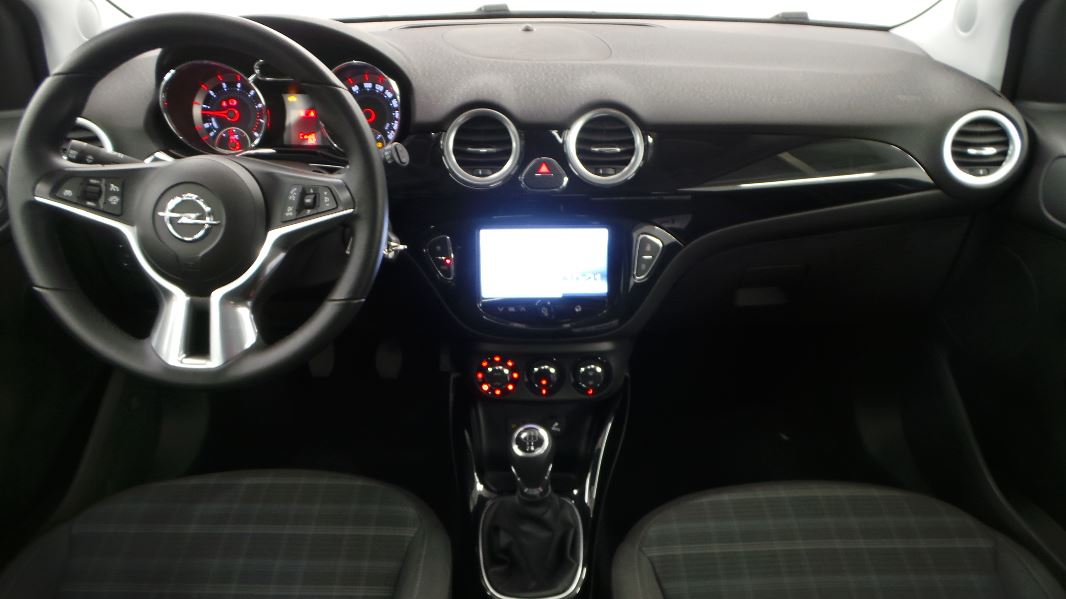 Opel adam 1 4 twinport 100ch glam occasion mont limar for Interieur opel adam