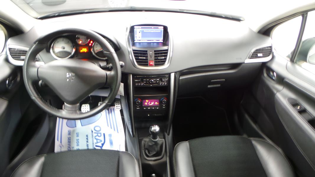 Interieur peugeot 208 related keywords interieur peugeot for Interieur 605