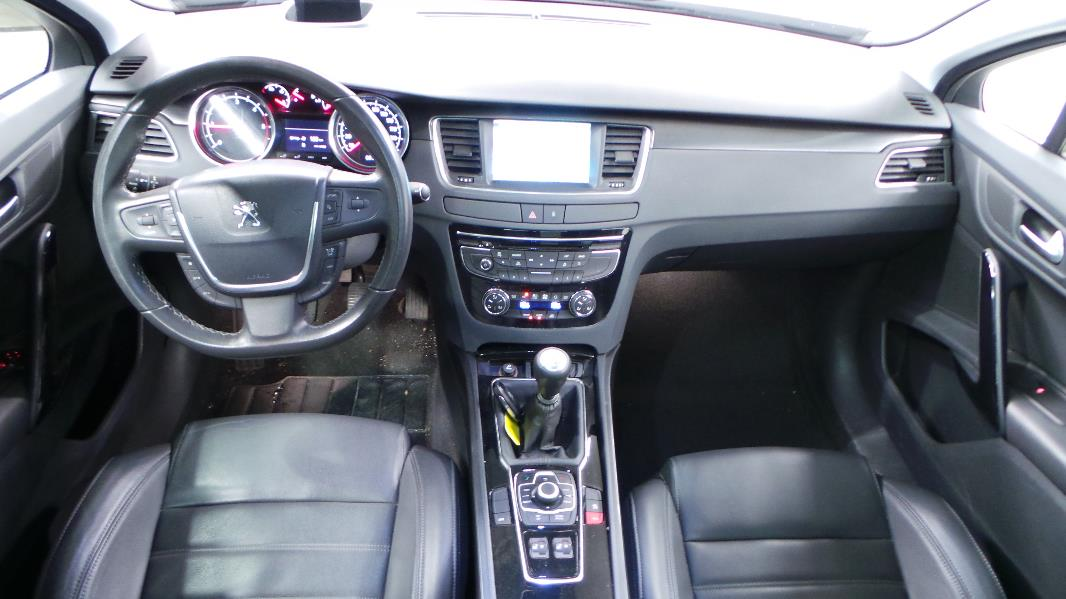 Peugeot 508 sw 2 0 hdi163 fap allure occasion lyon for Interieur 508 sw