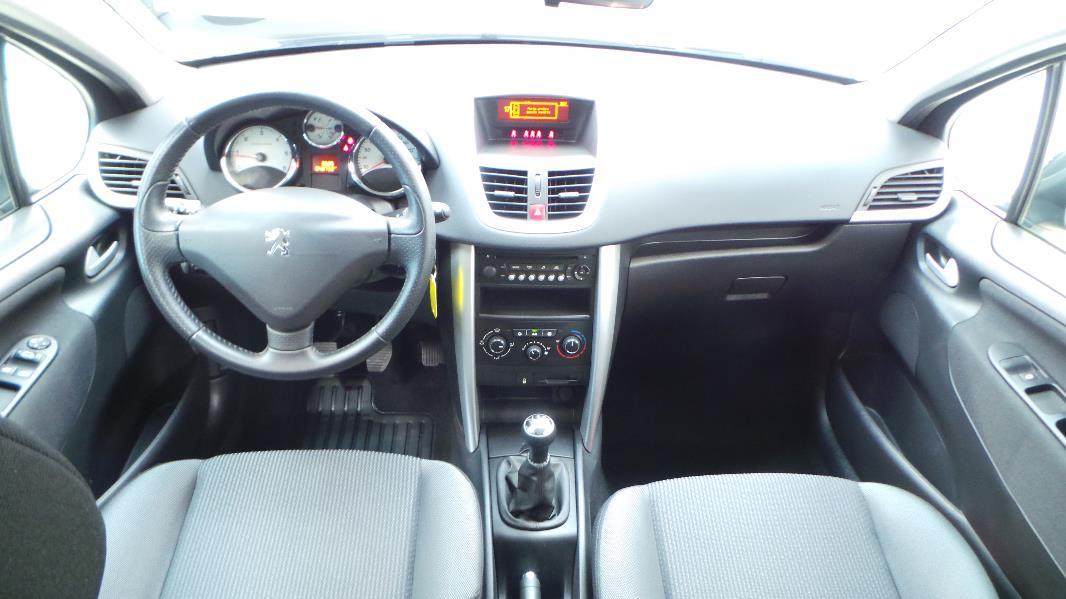 Peugeot 207 sw 1 6 hdi fap business occasion lyon for Interieur 207