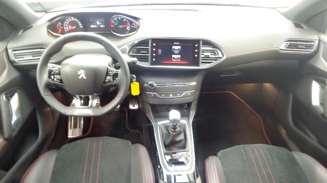 Peugeot 308 2 0 bluehdi fap 150ch gt line 5p occasion for Interieur 308 gt