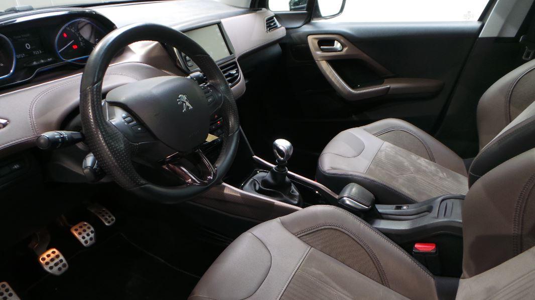 Peugeot 2008 1 6 e hdi115 fap feline cuivre occasion for Interieur peugeot 2008