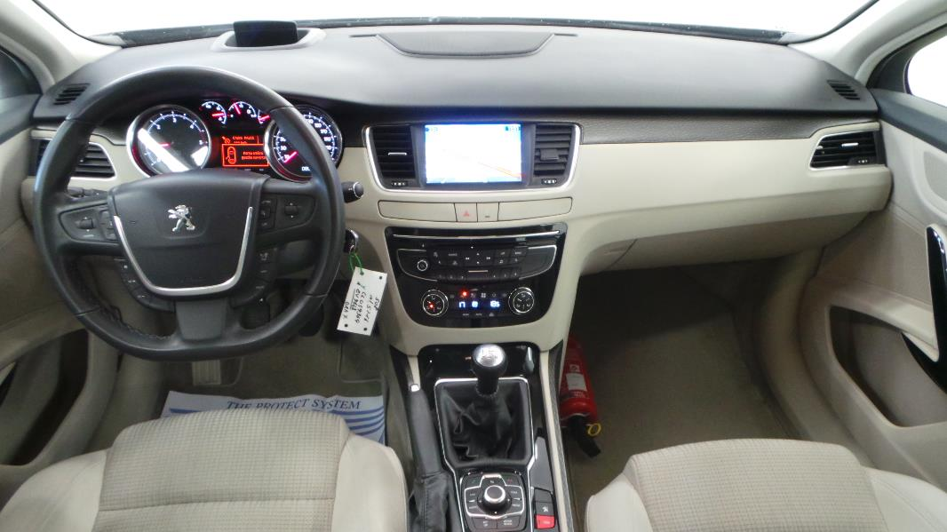 Peugeot 508 1 6 e hdi115 fap active occasion mont limar for Interieur 508 sw