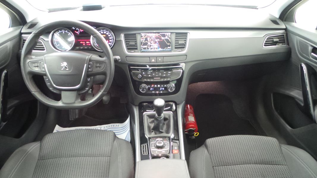 Peugeot 508 sw 2 0 hdi163 fap allure occasion mont limar for Interieur 508
