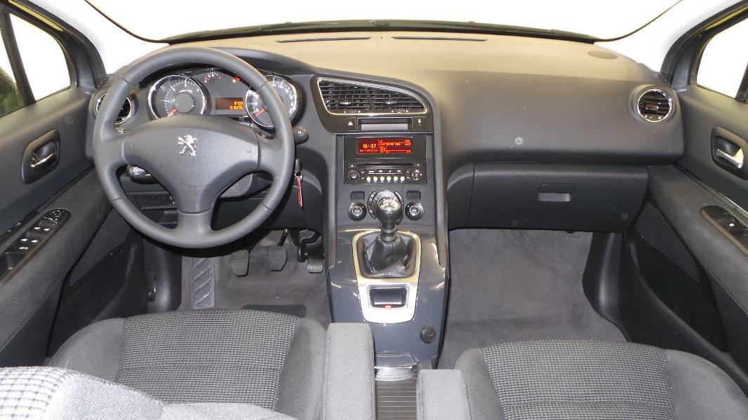 Peugeot 5008 1 6 hdi115 fap active 7pl occasion for Interieur 5008 peugeot