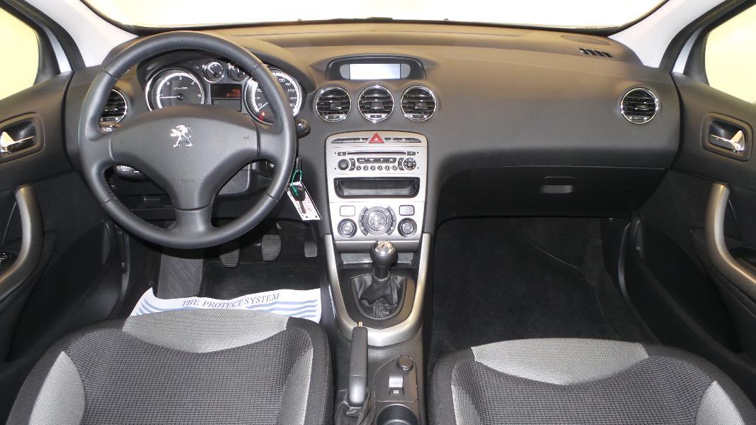 Peugeot 308 1 6 hdi92 fap active 5p occasion mont limar for Interieur 308