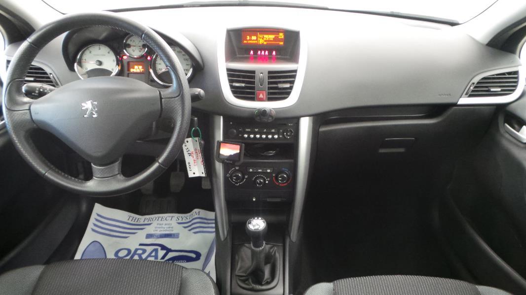 Peugeot 207 sw 1 6 hdi fap business occasion mont limar for Interieur 207