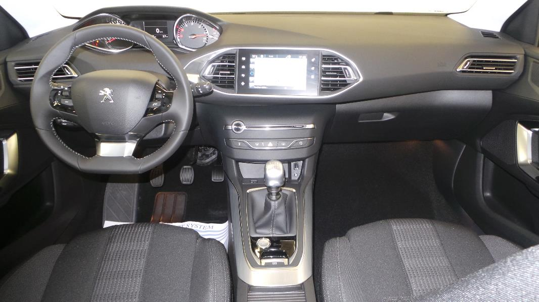 Peugeot 308 sw 1 6 e hdi fap 115ch allure for Interieur 307 sw