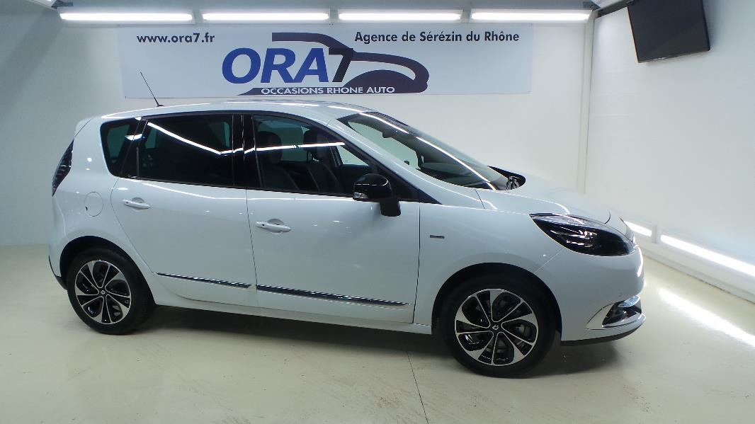 Renault scenic 3 1 5 dci110 energy bose eco occasion for Garage blanc lyon 4