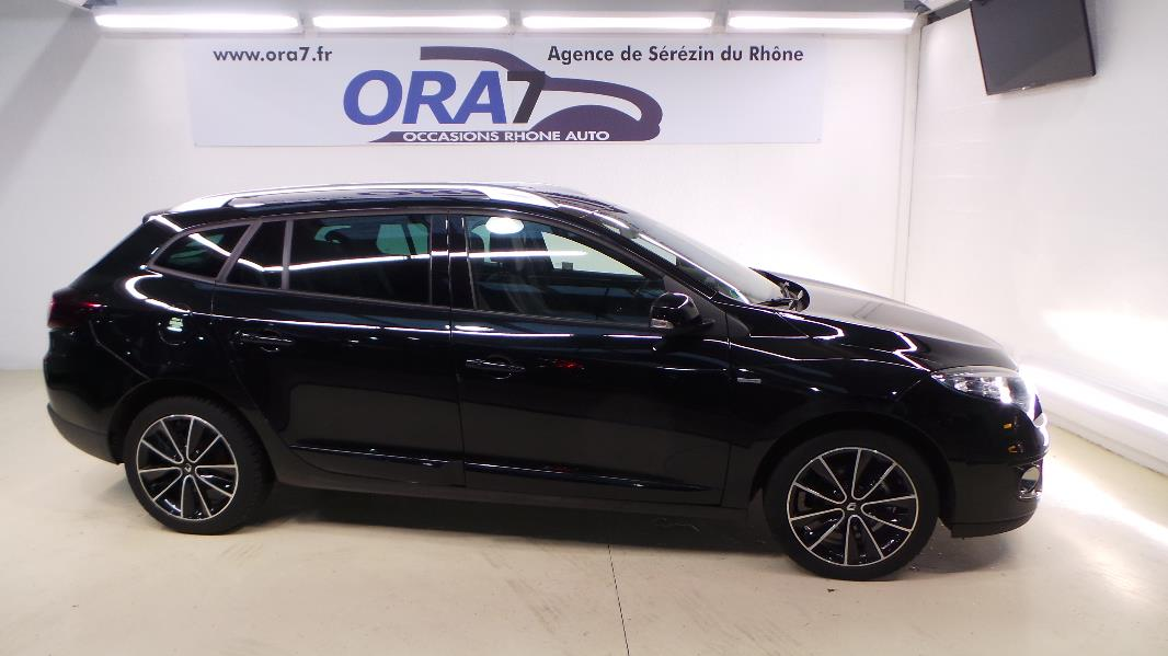 renault megane 3estate dci 130 energy bose eco occasion lyon s r zin rh ne ora7. Black Bedroom Furniture Sets. Home Design Ideas